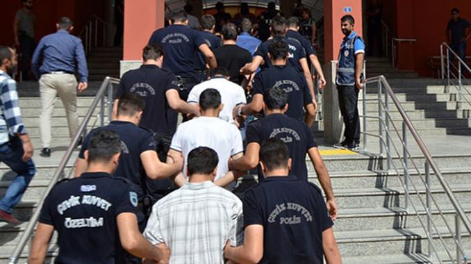 Trabzon'da FETÖ'cülere operasyon
