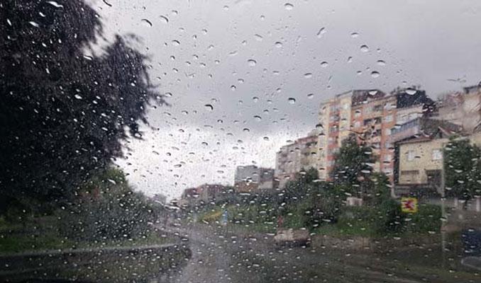 İstanbullular yağmurla uyandı