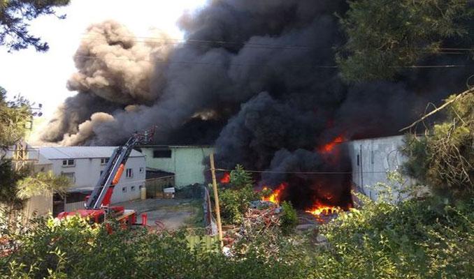 Kağıthane'de fabrika yangını
