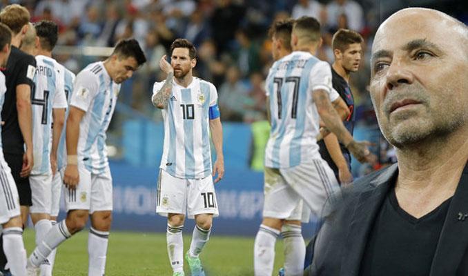 Arjantinli futbolcular Jorge'ye kazan kaldırdı