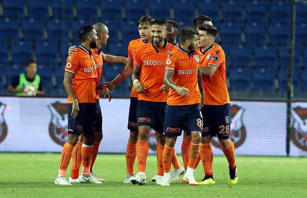 Başakşehir, Trabzonspor'u 2-0 mağlup etti