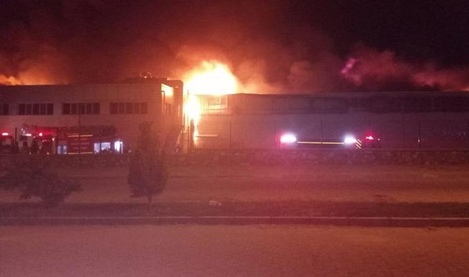Aydın'da korkutan fabrika yangını