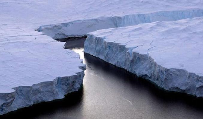 Antartika'da korkutan delik!