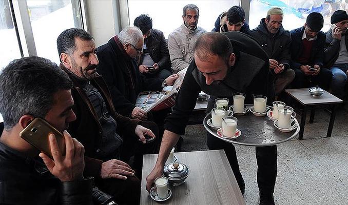 Bingöl'de kahvelerde çay yerine süt içiliyor