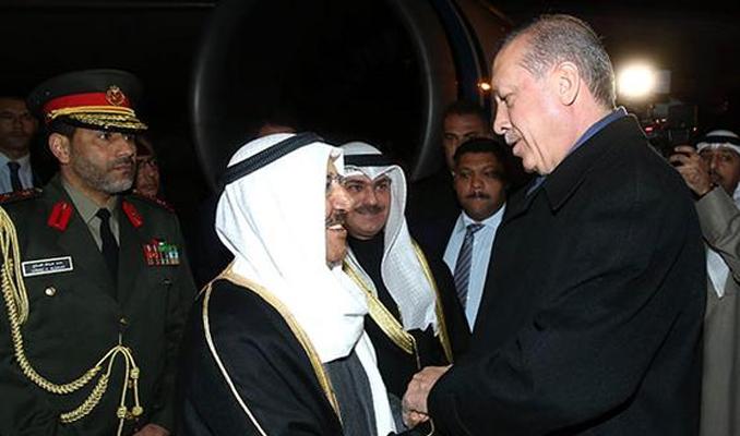 Erdoğan, Kuveyt Emiri'ni havalimanında karşıladı