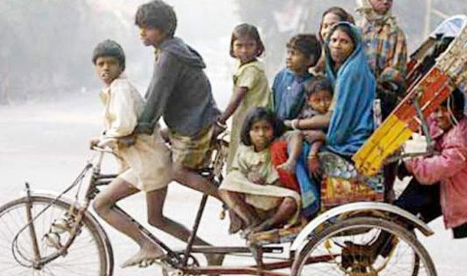 Hindistan'da zengin fakir uçurumu korkutuyor