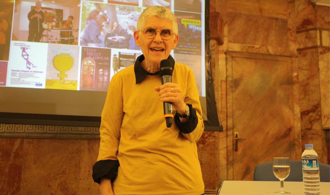 Sabancı Üniversitesi ünlü aktivist Cockburn'ü konu etti