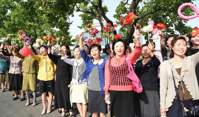 Kuzey Kore'de füze kutlaması