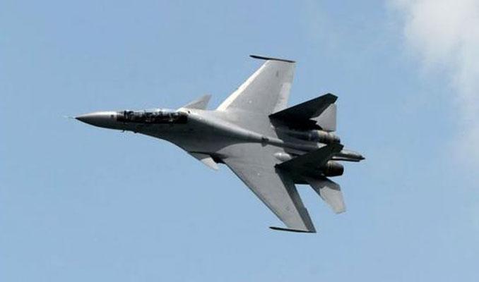 Çin savaş uçakları, ABD uçağının yolunu kesti