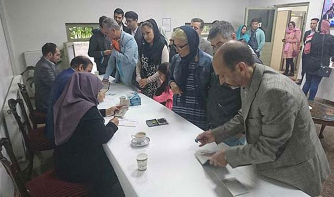 İranlılar İzmir'de oy kullandı