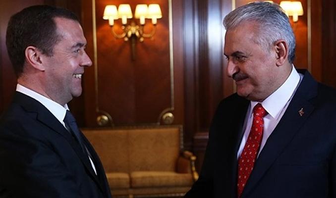 Yıldırım Medvedev ile bir araya gelecek