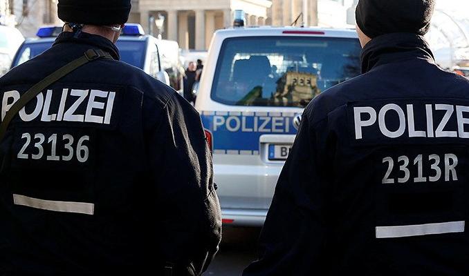 Almanya'da 50 kişiyle bakanlığa baskın girişimi