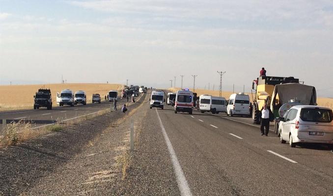 Diyarbakır'da polis minibüsü çarpıştı: 2 ölü