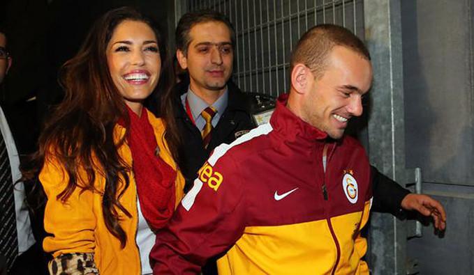 Sneijder'in eşi Yolanthe Cabau'dan Türkçe veda