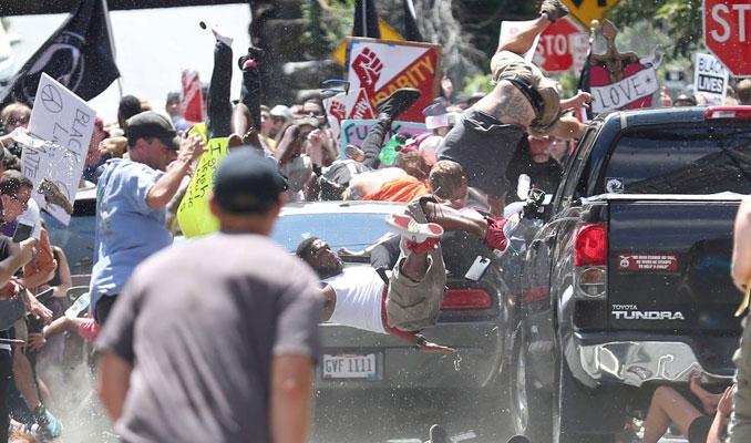 ABD'de göstericilere araçlı saldırı