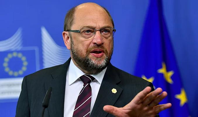 Schulz'dan Merkel'e ikinci düello daveti