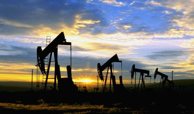 Küresel petrol arzı Ağustos'ta azaldı