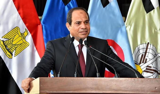 Sisi yeniden aday olacağını açıkladı