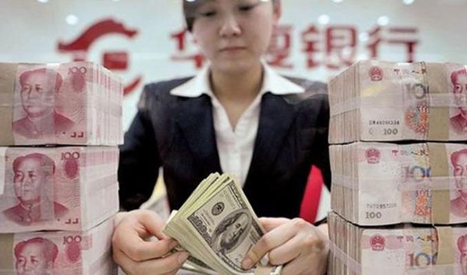 Çin'de halk bankaya hücum etti