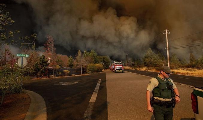 Kaliforniya'daki korkunç yangın önlenemiyor