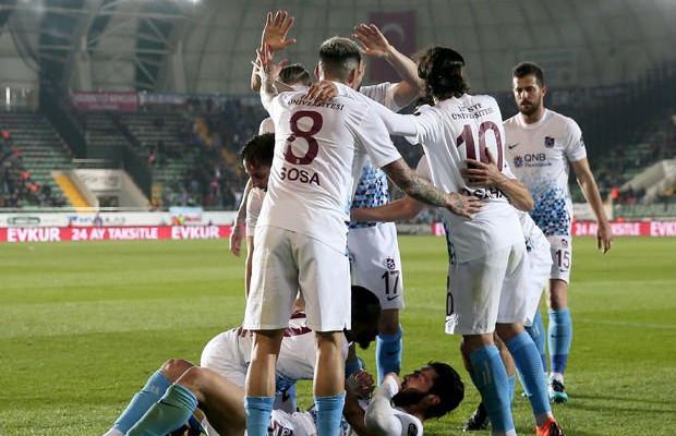 Trabzonspor, Akhisar deplasmanında şov yaptı