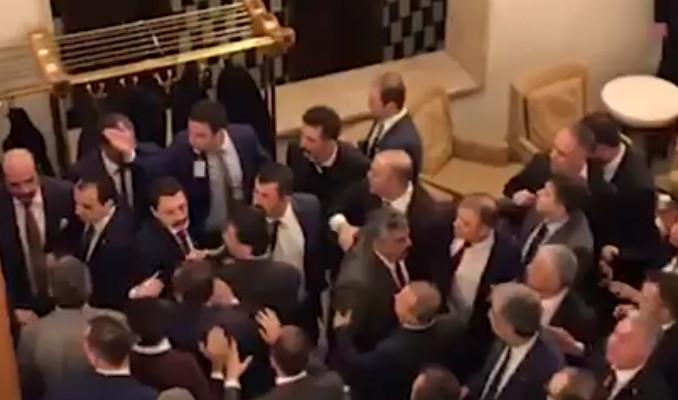 CHP'li ve MHP'li vekiller birbirine girdi