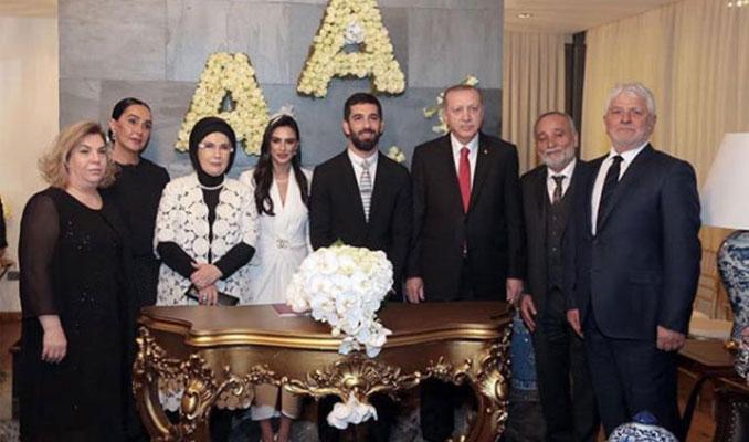 Arda Turan ile Aslıhan Doğan'ın nikahından detaylar