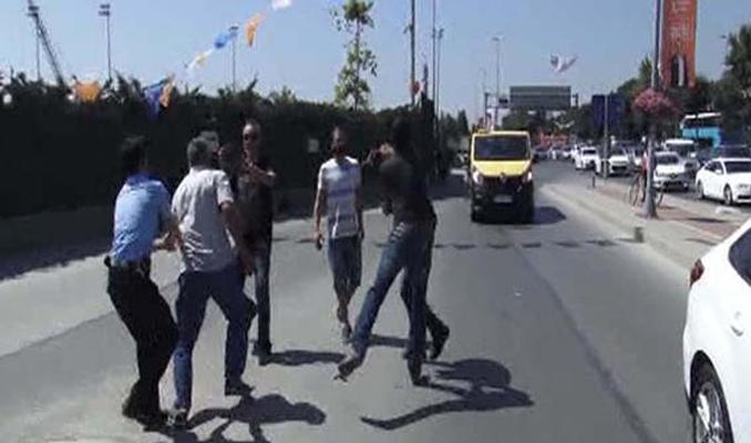 Faytoncular İstanbul'un göbeğinde vatandaşlara saldırdı
