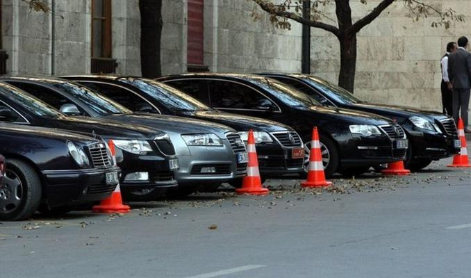 AK Parti'den belediyelere lüks araç uyarısı