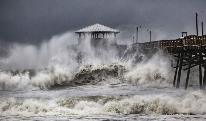 ABD, Florence Kasırgası'na teslim oldu