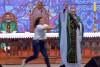 'Şişman kadınlar cennete gidemez' diyen rahibi sahneden aşağı attı