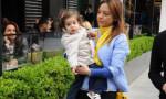 Ebru Gündeş kızıyla beraber umreye gitti