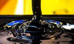 Petrol ABD'de artan stoklar ile düşüşünü sürdürdü
