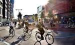 Hollanda'da bisiklet sürücülerine cep telefonu yasağı