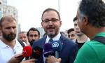 Gençlik ve Spor Bakanı Kasapoğlu Taksim Meydanı'nda taraftarlarla buluştu