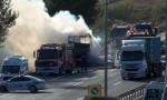TEM'deki araç yangını trafiği kilitledi