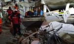 12 yaşındaki çocuk 5 saat sonra enkazdan sağ çıkarıldı