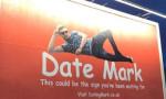 Bilboard ilanıyla sevgili arayan Mark, muradına erdi