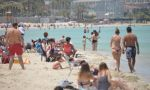 İzmirliler yasaksız hafta sonunda plajları doldurdu