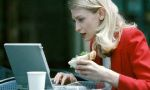 Bilgisayar başında yemek yemeyin!