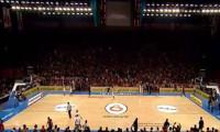Galatasaray maçında saha karıştı