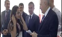 Başbakan Yıldırım mezun olduğu okulda karne dağıttı