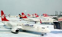 Uçak seferleri iptal oldu, yolcular mahsur kaldı