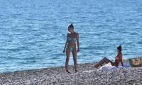 Sıcağı gören turistler denize girdi