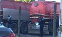 Tuzla'da kimyasal döken 4 kamyon yakalandı