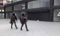 Arnavutköy'de lüks siteye polis baskını