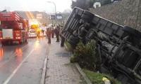 Mersin'de polis otobüsü devrildi: 10 polis yaralı