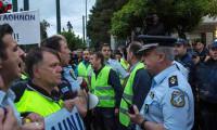 Yunanistan'da polis polisle çatıştı