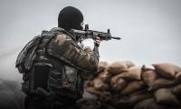Askeri birliğe sızmaya çalışan teröristlerle çatışma çıktı
