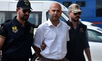 FETÖ'cü terörist polis Antalya'ya tatil yaparken yakalandı